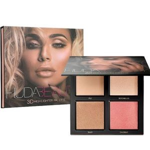 NWT HUDA Beauty 3D Highlighter Palette
